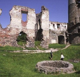 Zřícenina hradu a zámku Zvířetice